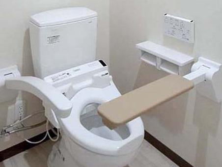 介護施設用トイレ肘掛|ウレタンの便利屋|三栄ポリウレタン
